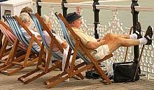 17 пенсионеров согласились на пожизненное содержание с иждивением