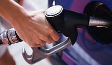 «Белнефтехим» сообщил о привязки цены бензина к курсу доллара