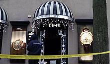 Украсть за 90 секунд: в Минске ограбили бутик швейцарских часов