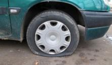 В Первомайском районе Минска вандал испортил 13 машин