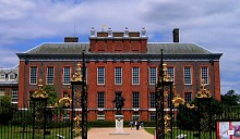 Россияне помогли королеве Елизавете II, арендовав часть ее дворца
