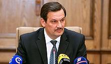 Калинин поручил до 1 апреля 2015 года навести порядок в строительстве
