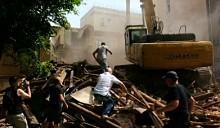 Градозащитники, которые мешали сносу исторического дома в центре Москвы, избиты