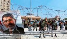 Свергнутый президент Египта стал причиной 343 жертв и чрезвычайного положения. 50 тысяч туристов из России ждут возвращения домой
