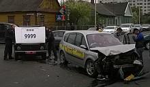 В Барановичах такси протаранило милицейскую машину