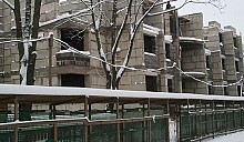 Посетив самую проблемную стройку Минска, Министерство архитектуры постановило ввести повышающий коэффициент на заработную плату строителей