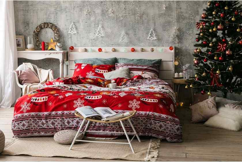 Как красиво украсить спальню к Новому году?