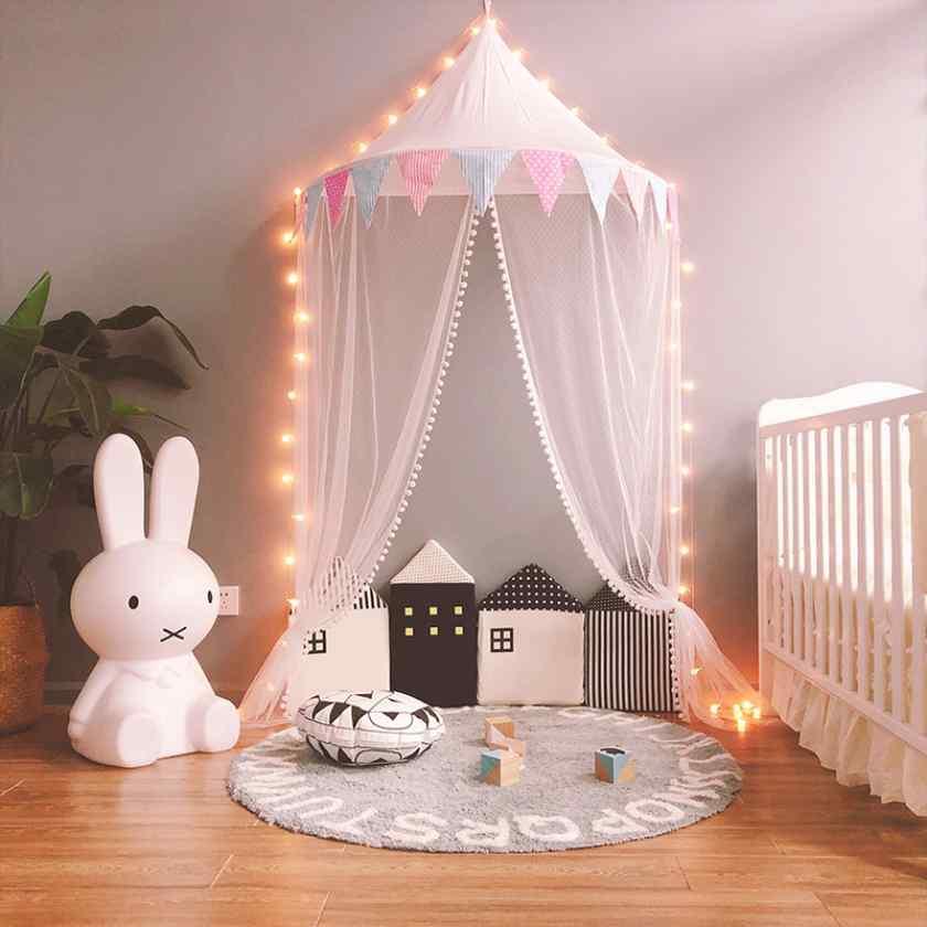 Как украсить детскую комнату шатром?