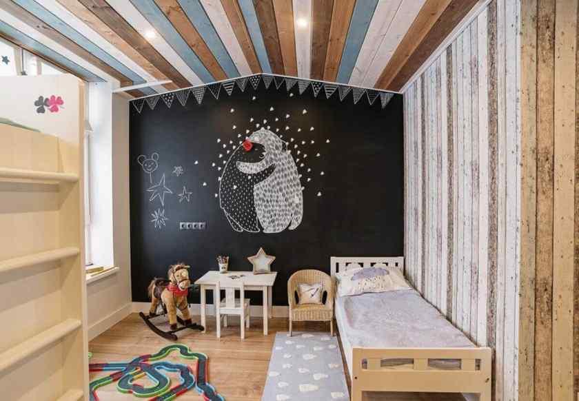Как украсить комнату грифельной доской своими руками?
