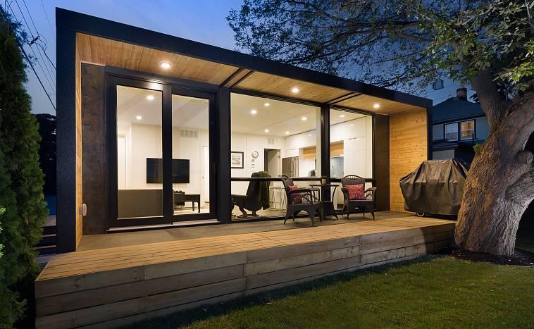 Дом из контейнеров с панорамными окнами