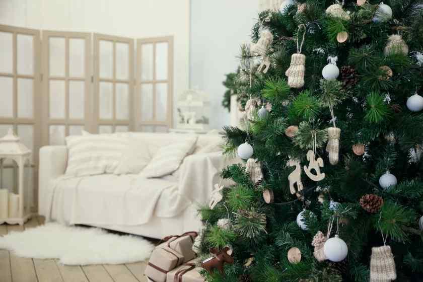 Как украсить квартиру и дом к Новому году?