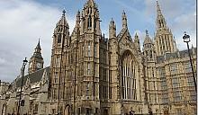 Инвесторы из России и Китая хотят купить здание британского парламента