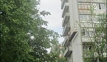 Дети в Гродно застряли в строительной люльке на уровне пятого этажа