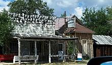 В США продают заброшенный город с черепами