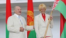 Не надо ходить и плакать, не надо рыдать: больше шальных денег в спорте не будет - Лукашенко