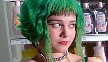 Водопроводная вода окрасила волосы в зеленый цвет