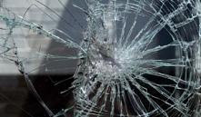 Щучино: рабочий из мести разбил нанимателю 34 стеклопакета на 20 миллионов