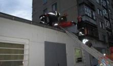 Витебск: с 6-го этажа на крышу магазина упал мужчина и выжил