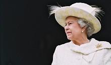 Английская королева одобрила брачные церемонии гомосексуальных пар не во всей Великобритании