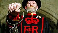 Лондонский Тауэр ограбили на глазах у стражников