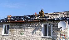 Хозяин в Костюковичах сжег дом, выбрасывая мусор