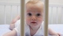 Годовалый младенец встал в очередь за жильем для пожилых