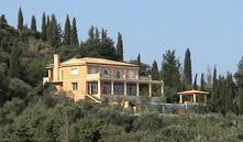 Россияне начали активно скупать недвижимость в Греции