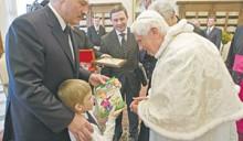 Лукашенко Бенедикту XVI: Ваша открытая позиция и внимание к нашей странеснискали уважение и признательность белорусских граждан