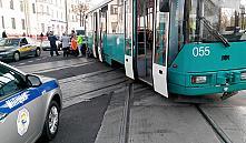 Минский трамвай сошел с рельс и врезался в автомобиль
